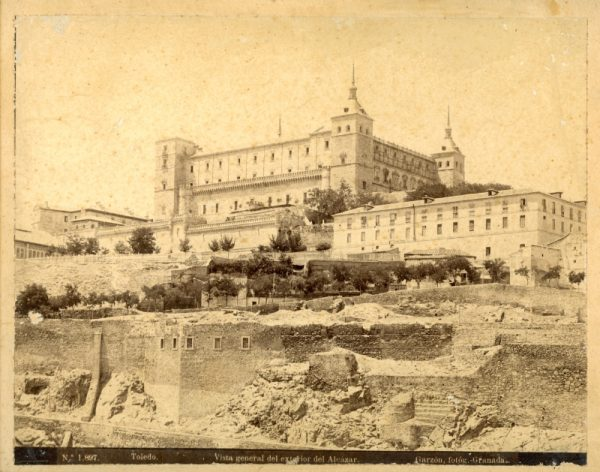 1897 - Toledo. Vista general del exterior del Alcázar