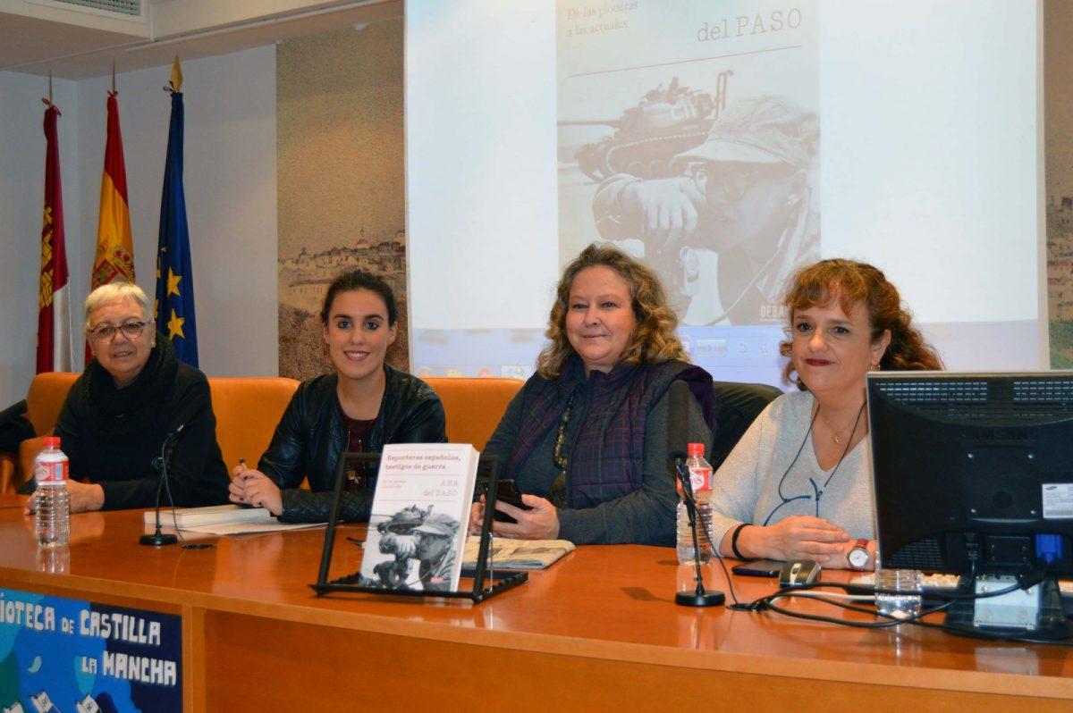https://www.toledo.es/wp-content/uploads/2018/11/20181112_ines-sandoval_2-1200x798.jpg. Ana del Paso recoge en su obra 'Reporteras españolas, testigos de guerras' su experiencia como mujer periodista en tierra de conflicto