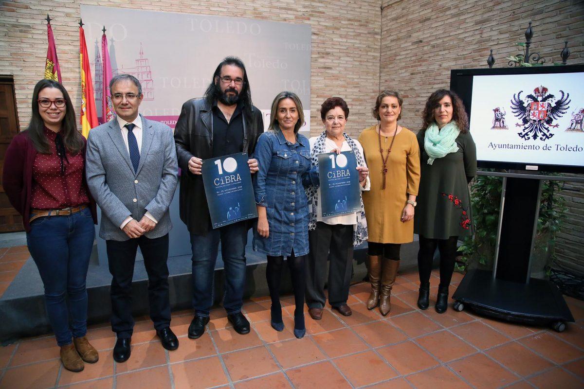 """https://www.toledo.es/wp-content/uploads/2018/11/cibra_2-1200x800.jpeg. La alcaldesa presenta la décima edición del Festival del Cine y la Palabra, CiBRA, """"referente del panorama cinematográfico y literario"""""""