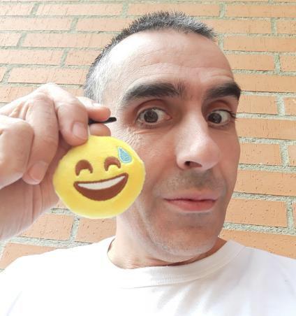 https://www.toledo.es/wp-content/uploads/2018/11/habilidades-para-ser-feliz.jpg. Conferencia Habilidades para ser feliz