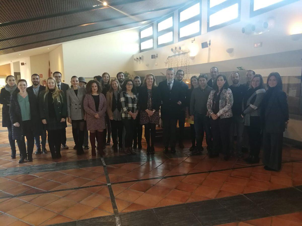 https://www.toledo.es/wp-content/uploads/2018/11/toledo-convention-bureau-1200x900.jpeg. El Ayuntamiento apuesta por el turismo de congresos y recibe a una veintena de empresarios del 'Toledo Convention Bureau'