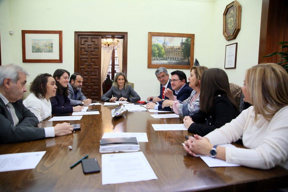 """http://www.toledo.es/wp-content/uploads/2018/12/01_junta_gobierno-1200x800.jpg. El Gobierno local autoriza los trabajos previos de la primera fase del parque temático """"Puy du Fou"""""""