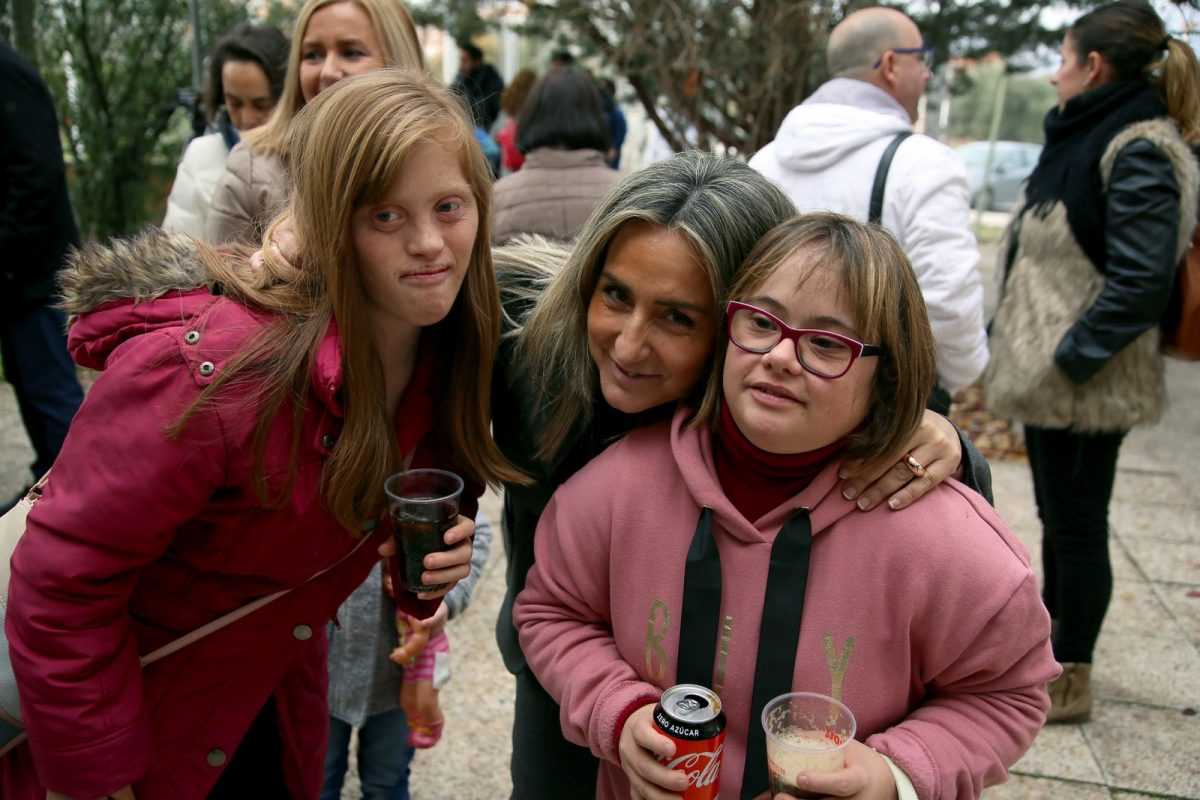 http://www.toledo.es/wp-content/uploads/2018/12/01_migas_down-1200x800.jpg. Milagros Tolón participa en las migas de Navidad de Down Toledo y agradece su labor por crear una sociedad más justa e igualitaria