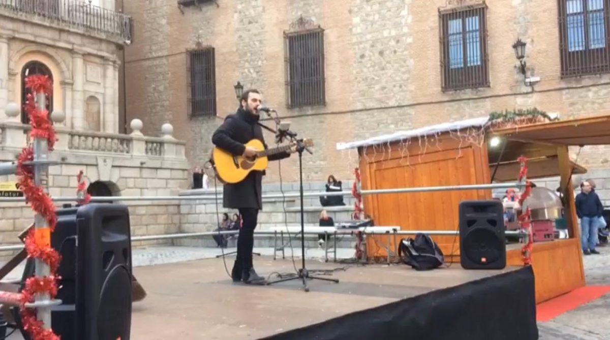 Un concierto de música inicia las propuestas culturales y de ocio que se sucederán en la plaza del Ayuntamiento esta Navidad