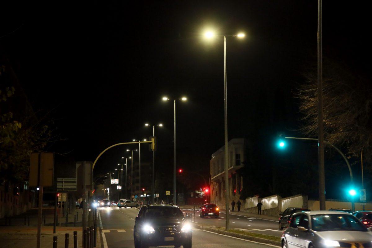http://www.toledo.es/wp-content/uploads/2018/12/03_iluminacion_av_portugal-1200x800.jpg. El Ayuntamiento mejora el alumbrado público con la instalación de luminarias led en la avenida de Portugal y la calle Andalucía