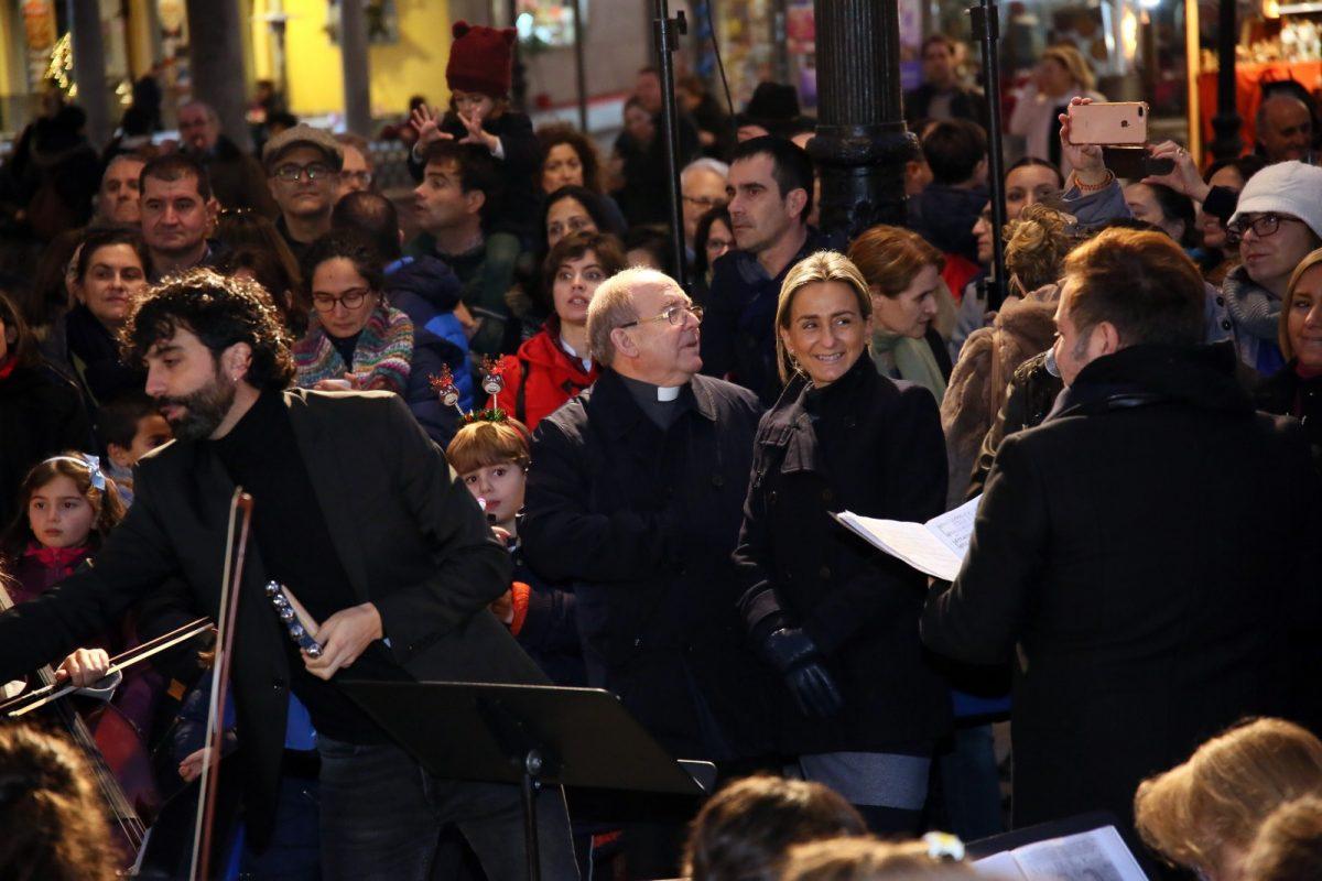 Milagros Tolón asiste a la inauguración del gran Belén de la plaza de Zocodover y al concierto de la Escuela Municipal de Música