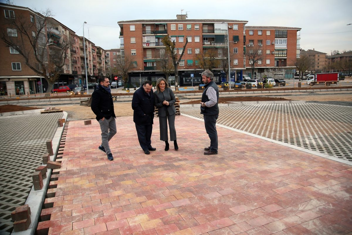 http://www.toledo.es/wp-content/uploads/2018/12/07_obra_parking_s_teresa-1200x800.jpg. La alcaldesa visita las obras del aparcamiento de Santa Teresa, que continúan a buen ritmo con el adoquinado de las calles