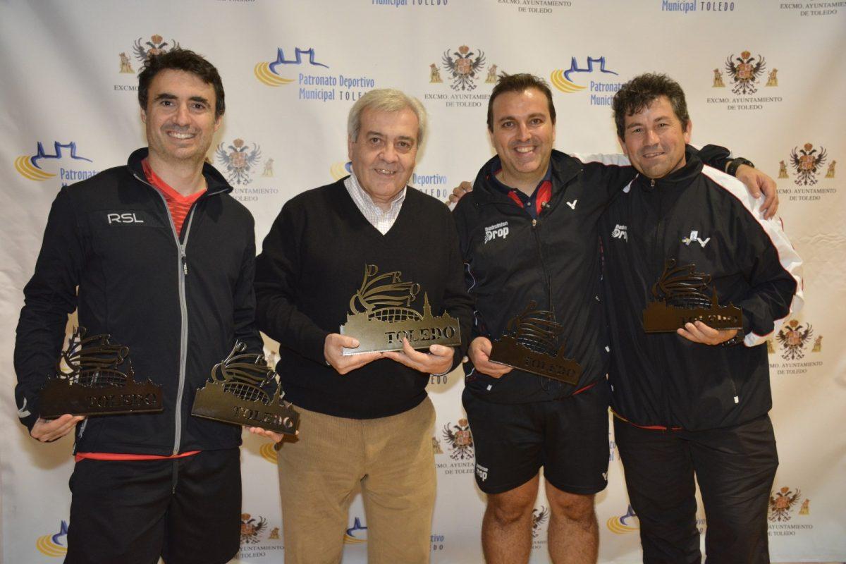 http://www.toledo.es/wp-content/uploads/2018/12/dsc0151-1200x800.jpg. Los toledanos Javier Abián, David de la Cruz y Miguel Ángel Polo logran trofeo en el V Circuito Nacional Senior de Bádminton 'Ciudad de Toledo'