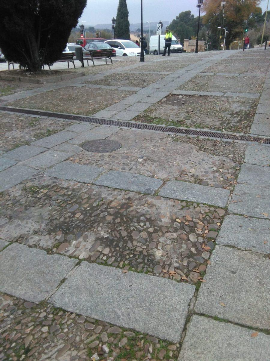 http://www.toledo.es/wp-content/uploads/2018/12/img-20181203-wa0011-900x1200.jpg. El Plan de Empleo acomete labores de desbroce, rastrillado y limpieza en los barrios de Toledo durante la última semana del año