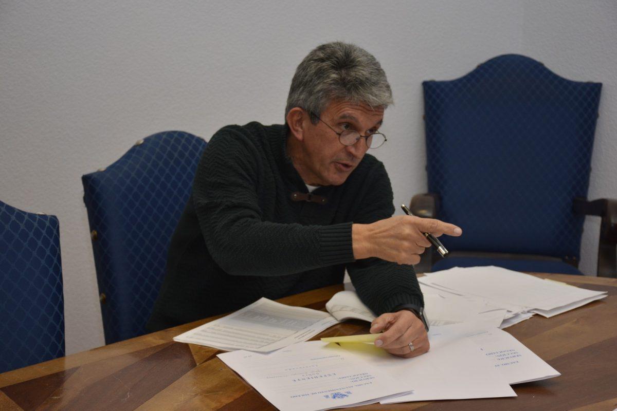 http://www.toledo.es/wp-content/uploads/2018/12/jose-pablo-sabrido_comisiones-presupuesto-2019-1200x800.jpg. Los concejales del equipo de Gobierno explican a los grupos municipales el Presupuesto 2019 por áreas