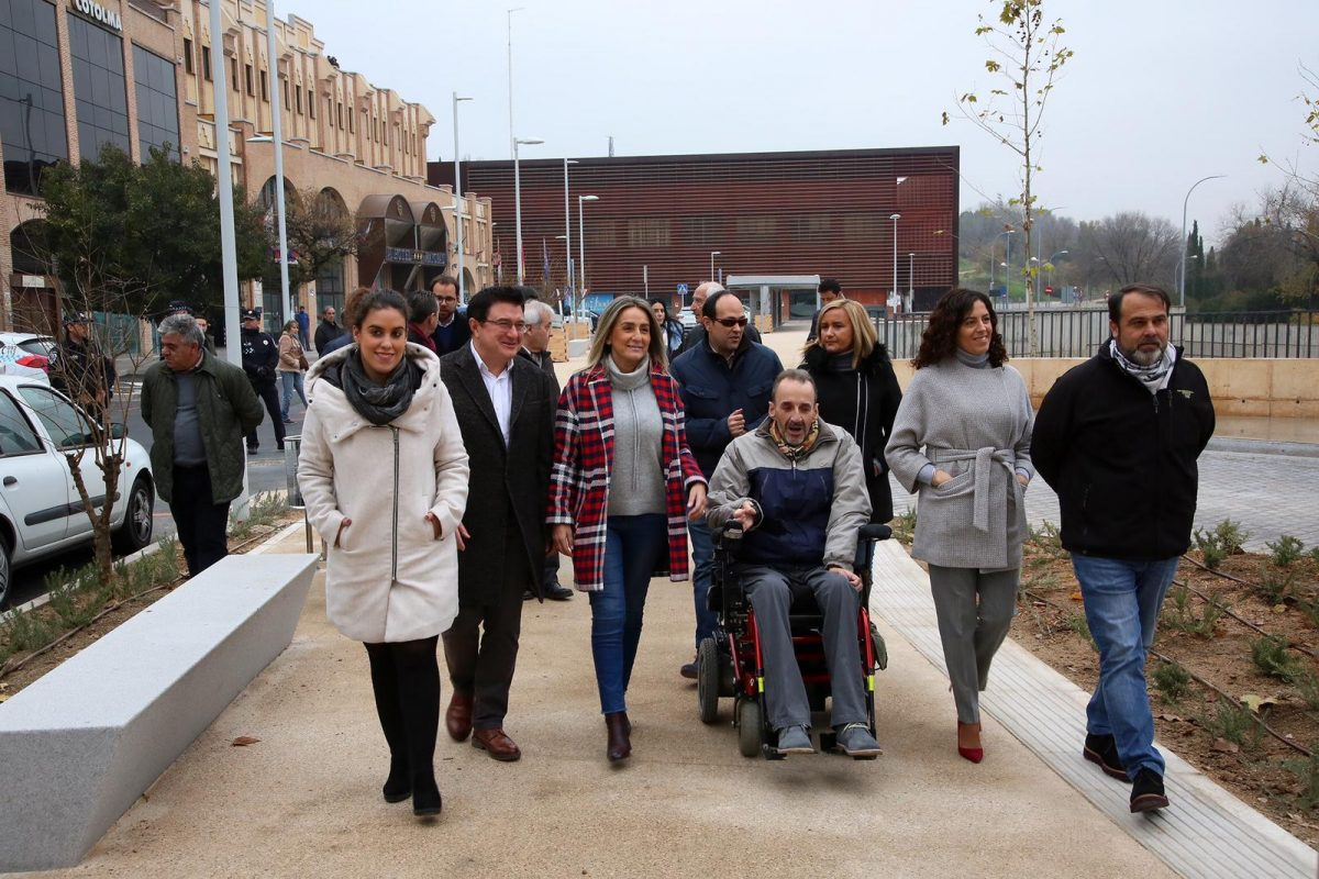 http://www.toledo.es/wp-content/uploads/2018/12/milagros-tolon_safont-1-1200x800.jpeg. Milagros Tolón recibe el respaldo de las entidades de discapacidad en la recuperación del nuevo espacio accesible y peatonal de Safont