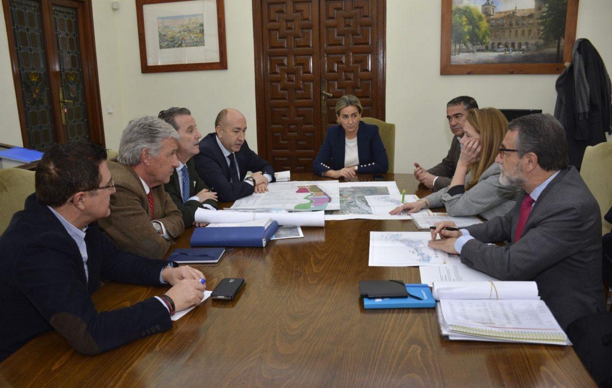 http://www.toledo.es/wp-content/uploads/2019/01/03-reunion-sepes-1200x761.jpg. El Ayuntamiento estudiará con SEPES las mejores soluciones para el desarrollo de parcelas vacantes en la ciudad