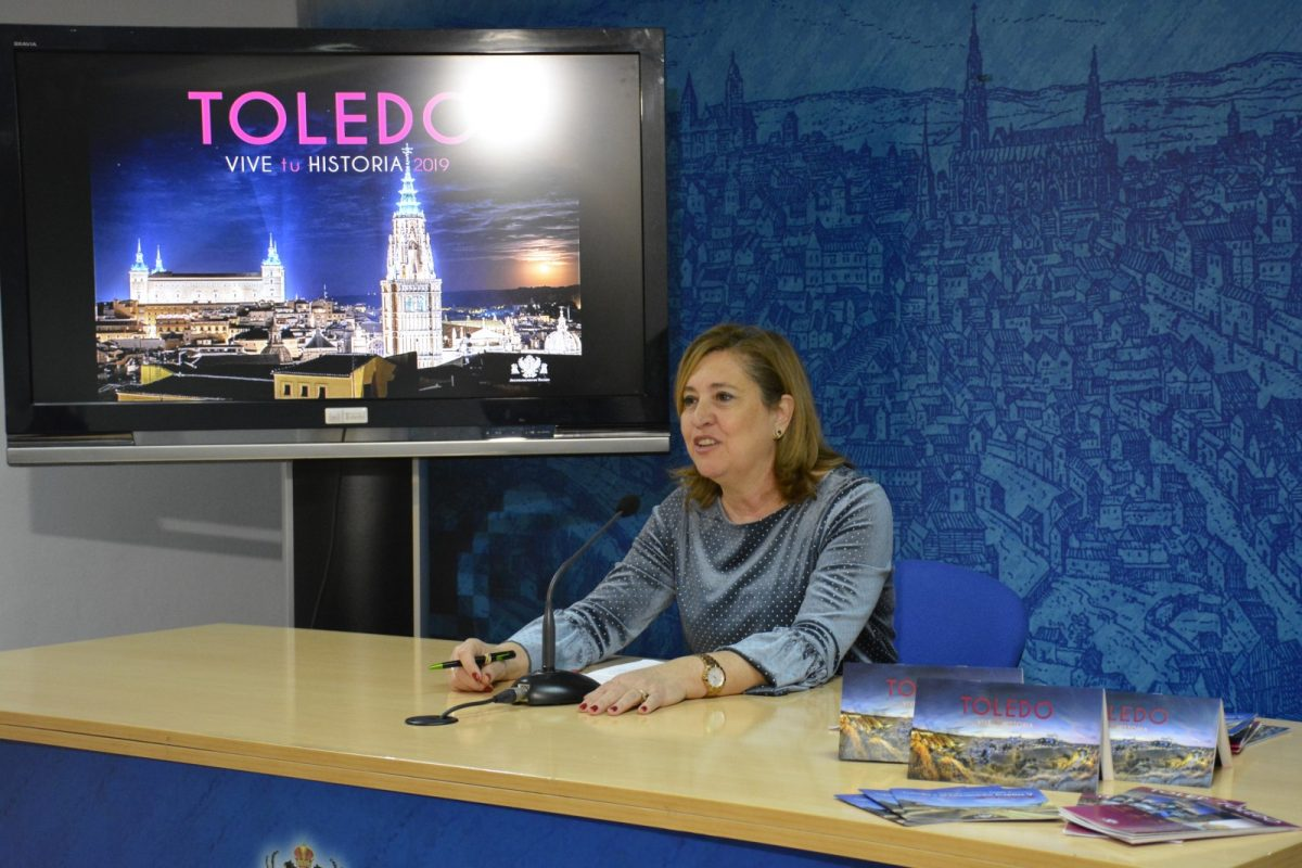 http://www.toledo.es/wp-content/uploads/2019/01/04-foto-rosana-rodriguez-fitur-1200x800.jpg. Toledo invitará al viajero en FITUR a vivir su propia historia en la ciudad diversificando la oferta turística, cultural y gastronómica