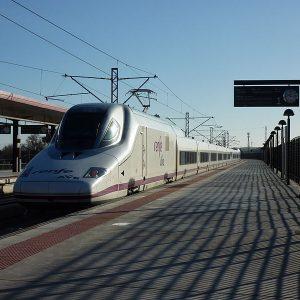 "a alcaldesa destaca que la conexión ferroviaria con Portugal convierte a Toledo en ""centro neurálgico de la comunicación"""
