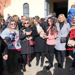 a alcaldesa acompaña a los vecinos del barrio de San Antón en los actos organizados con motivo de la celebración de su patrón