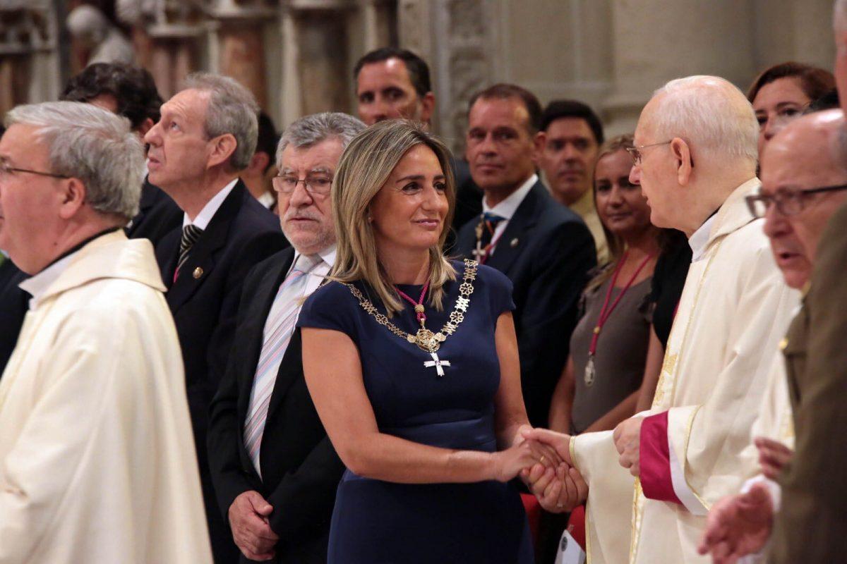"""https://www.toledo.es/wp-content/uploads/2019/01/img_20190119_145315-1200x800.jpg. La alcaldesa de Toledo traslada su pésame por el fallecimiento de Cleofé Sánchez, canónigo de la catedral, y """"un sacerdote muy querido por todos"""""""