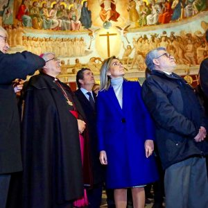 La alcaldesa destaca la sensibilidad patrimonial del Cabildo de la Catedral tras la encomiable restauración de la Sala Capitular
