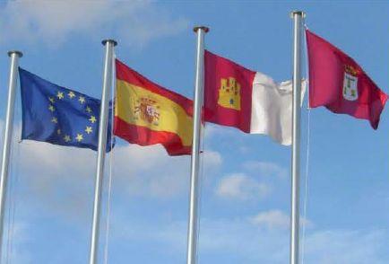 """http://www.toledo.es/wp-content/uploads/2019/01/protocolo-bandera.jpg. Conferencia """"Normativa y protocolo de uso de la bandera nacional"""""""