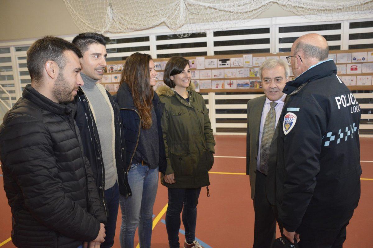 http://www.toledo.es/wp-content/uploads/2019/02/00-dia_europeo_112-1200x800.jpg. El Ayuntamiento agradece la labor de los profesionales del 112 con motivo del Día Europeo en el que se conmemora este servicio