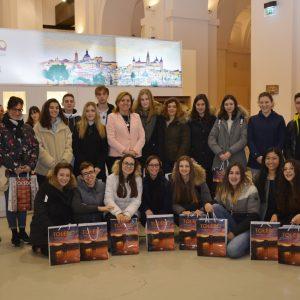 El Gobierno local recibe en San Marcos a un grupo de estudiantes italianos que aprenden español en Toledo