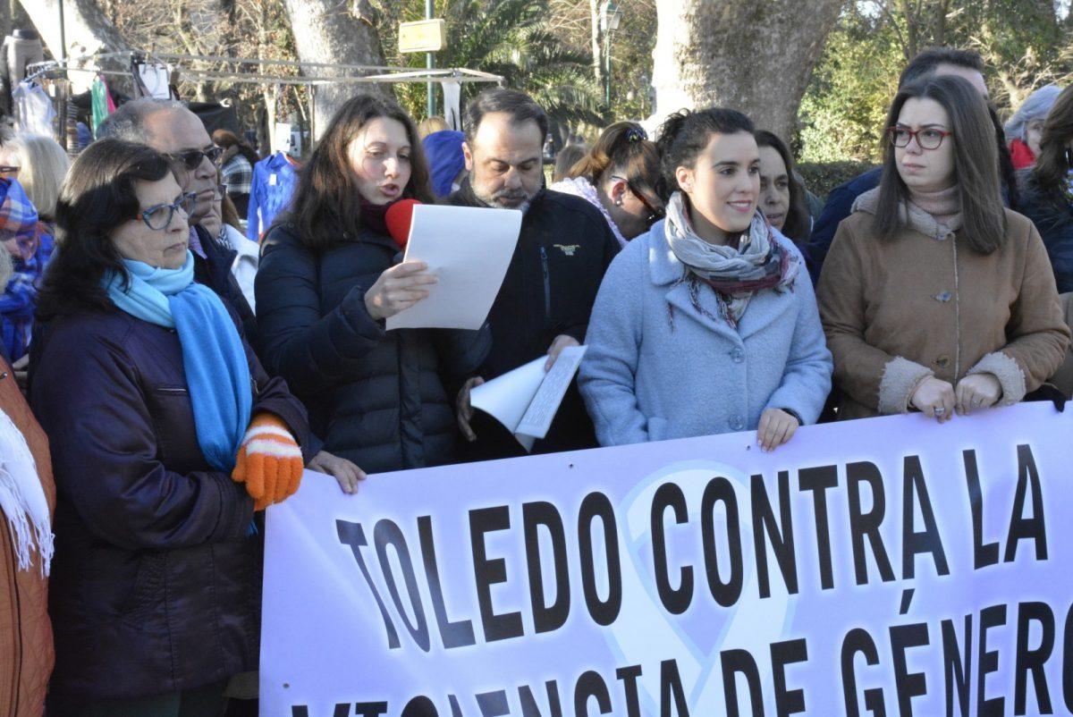 http://www.toledo.es/wp-content/uploads/2019/02/01-concentracion-machista-1200x802.jpg. El Consejo Local de la Mujer reclama en su concentración mensual el papel activo de los hombres en la lucha por la igualdad real