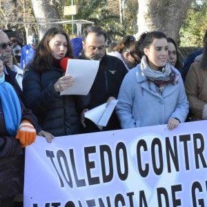 El Consejo Local de la Mujer reclama en su concentración mensual el papel activo de los hombres en la lucha por la igualdad real