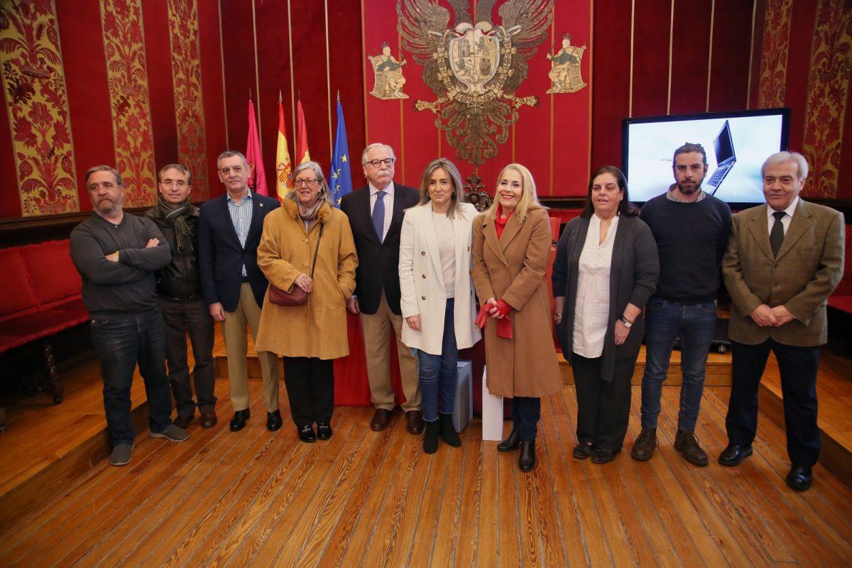 http://www.toledo.es/wp-content/uploads/2019/02/01_fotos_mariano_alvarez-1200x800.jpg. El Archivo Municipal suma una nueva exposición virtual con 600 fotos de los años 50 y 60 que muestra un Toledo en construcción
