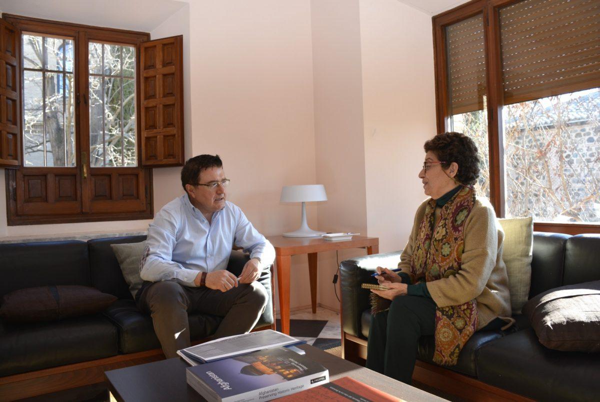 http://www.toledo.es/wp-content/uploads/2019/02/02-teo-garcia-reunion-real-fundacion-1200x805.jpg. Ayuntamiento y Real Fundación organizan una jornada para buscar alternativas y propuestas para regular la vivienda de uso turístico