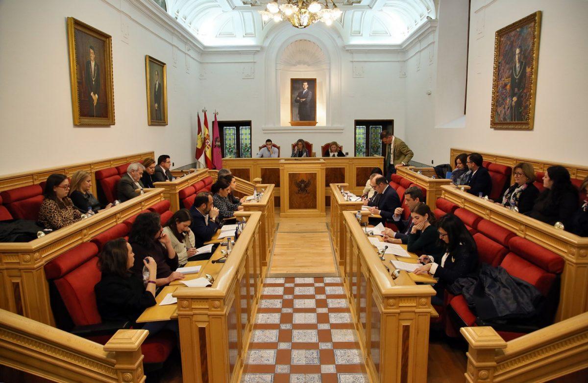 http://www.toledo.es/wp-content/uploads/2019/02/04_pleno_municipal-1200x782.jpg. El Pleno da cuenta del Presupuesto de 2019 con inversiones que apuestan por el empleo, el desarrollo económico y social de Toledo