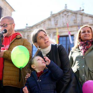 a alcaldesa respalda a Afanion el Día del Cáncer Infantil y les ofrece la complicidad y apoyo del Consistorio los 365 días del año