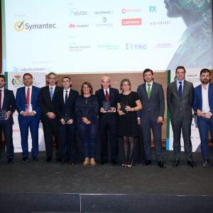 l Ayuntamiento recibe el premio a la infraestructura tecnológica pública por la implantación de la fibra óptica en el Casco Histórico