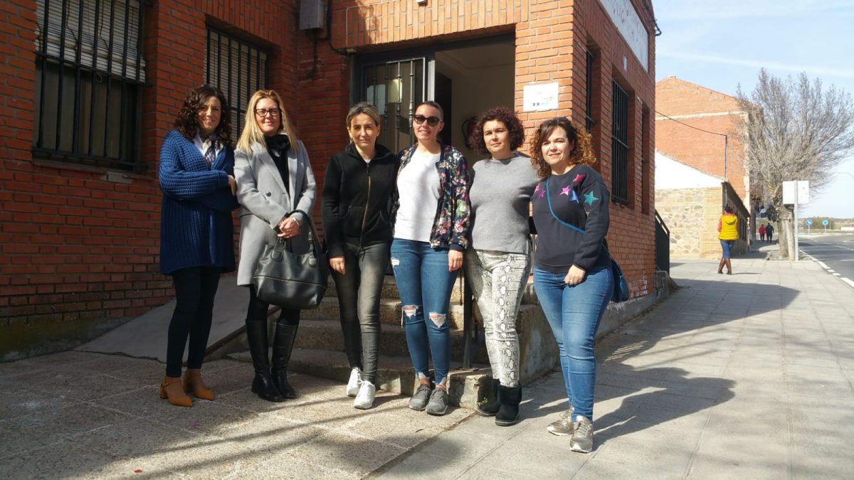 http://www.toledo.es/wp-content/uploads/2019/02/20190223_milagros-tolon_azucaica-1200x675.jpeg. Milagros Tolón anuncia que se reforzará de manera inminente la línea de autobús del barrio de Azucaica en los servicios matutinos