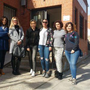ilagros Tolón anuncia que se reforzará de manera inminente la línea de autobús del barrio de Azucaica en los servicios matutinos