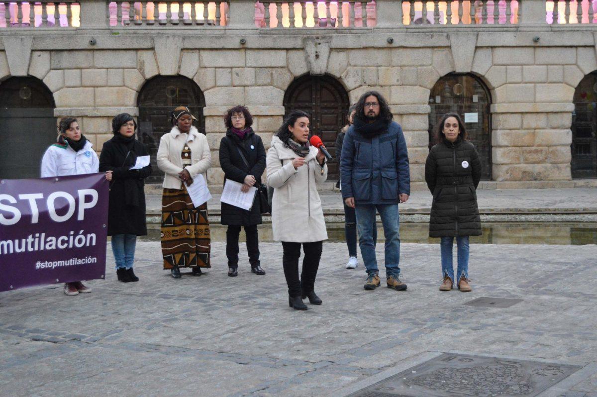 http://www.toledo.es/wp-content/uploads/2019/02/acto-mutilacion-genital-femenina_2-1200x798.jpg. La Escuela Toledana de Igualdad conciencia sobre la mutilación genital femenina con actividades hasta el próximo 6 de febrero