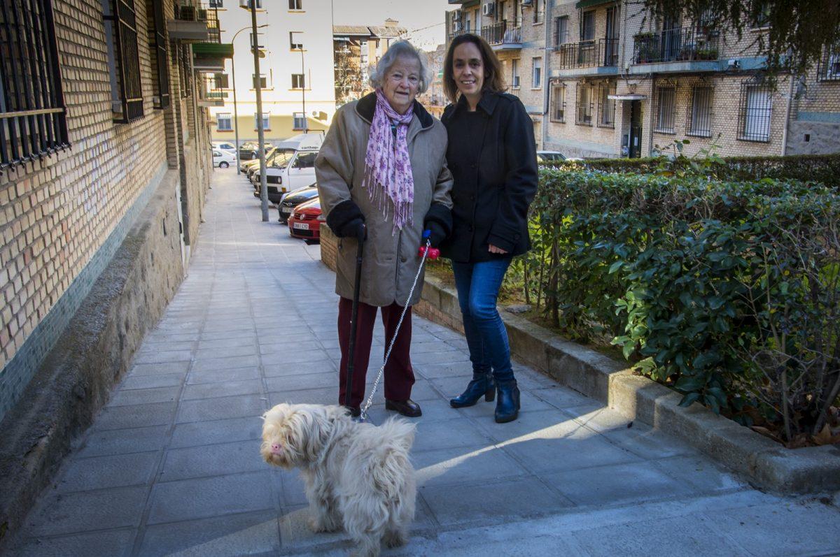 http://www.toledo.es/wp-content/uploads/2019/02/helena-galan_rampa-calle-lillo-1200x797.jpg. El Ayuntamiento hace accesible la confluencia de las calles Lillo y Quintanar con una rampa demandada por los vecinos del barrio