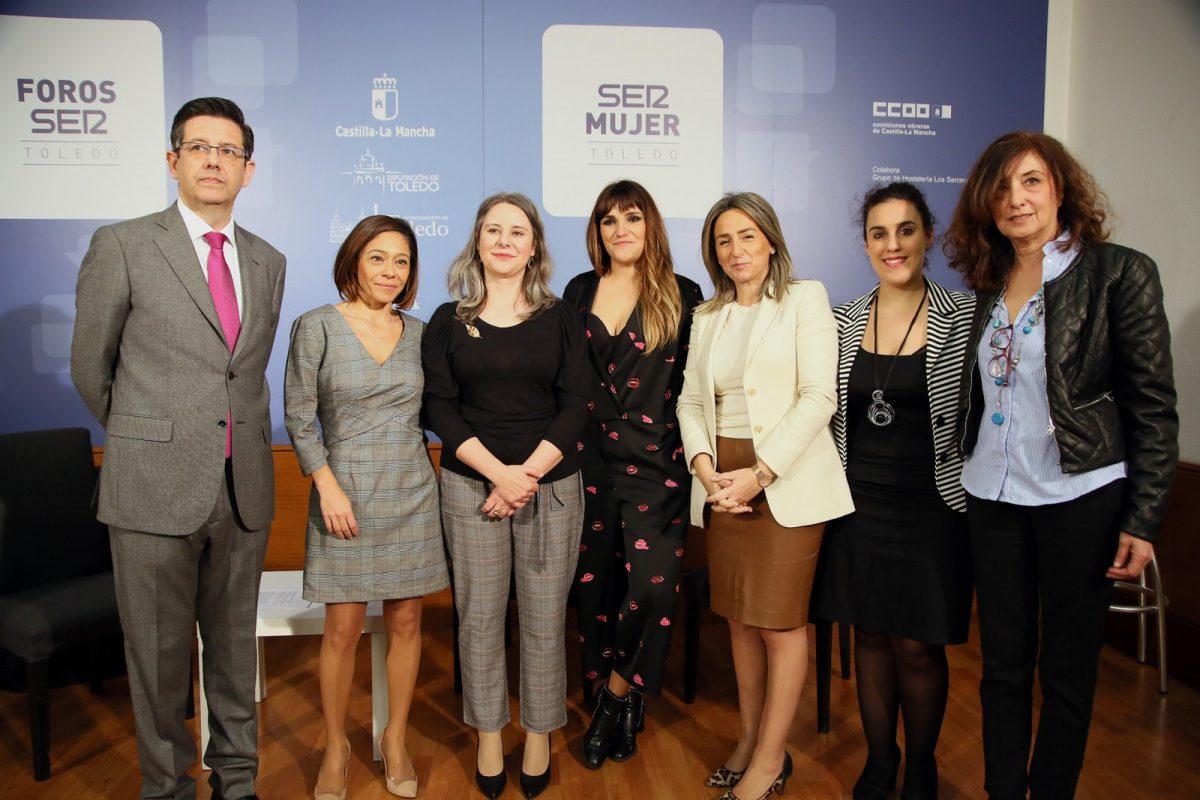 http://www.toledo.es/wp-content/uploads/2019/03/05_foro_mujer-1200x800.jpg. Rozalén y Maribel Verdú protagonizan la jornada de inauguración del Festival FEM.19, cuyas propuestas continúan hasta el día 10