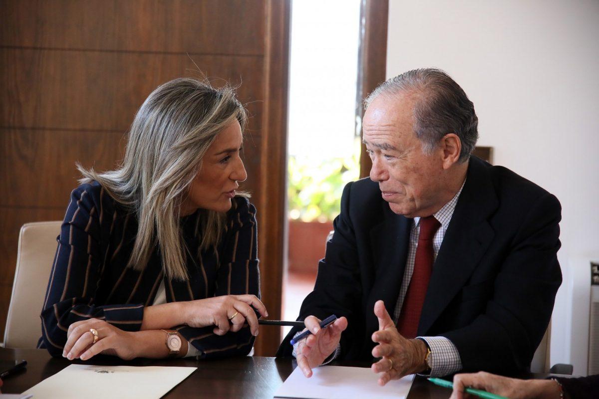 http://www.toledo.es/wp-content/uploads/2019/03/05_reunio_real_fundacion-1200x800.jpg. La alcaldesa recibe al presidente de honor de la Real Fundación, Gregorio Marañón, para avanzar en la proyección del Casco Histórico
