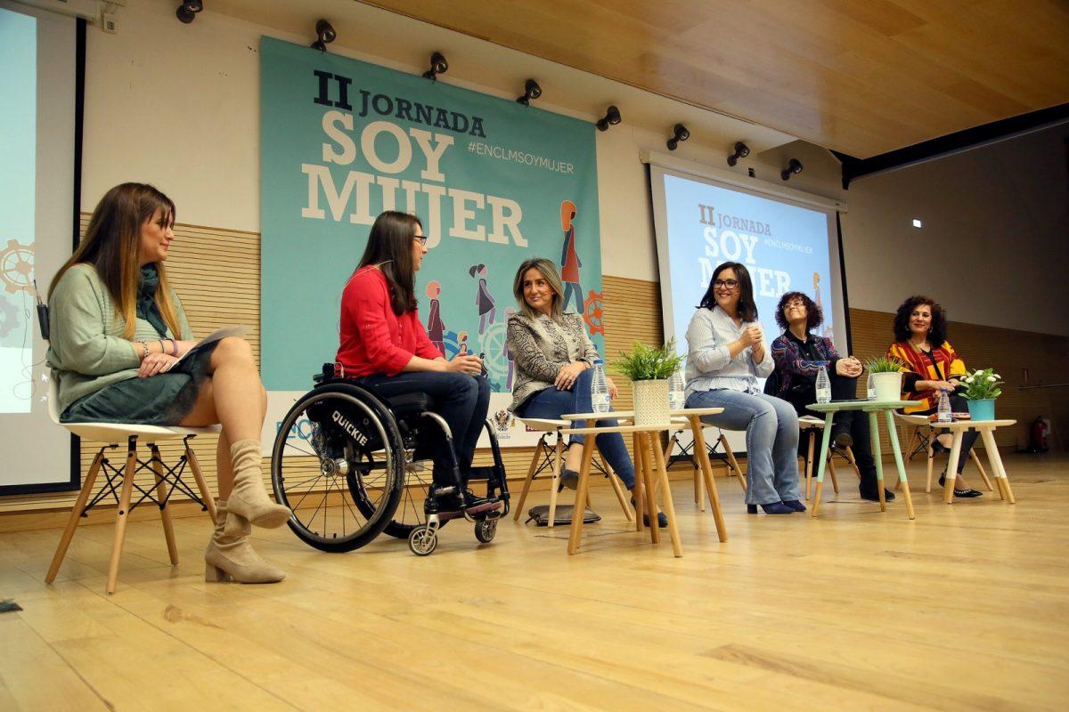"""http://www.toledo.es/wp-content/uploads/2019/03/09_jornadas_mujer-1200x800.jpg. Milagros Tolón considera que el movimiento feminista """"es el más potente, reivindicativo y transformador de nuestro tiempo"""""""