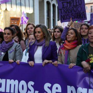 ultitudinaria manifestación en Toledo en el 8M para reclamar la eliminación de todas las formas de discriminación sobre las mujeres