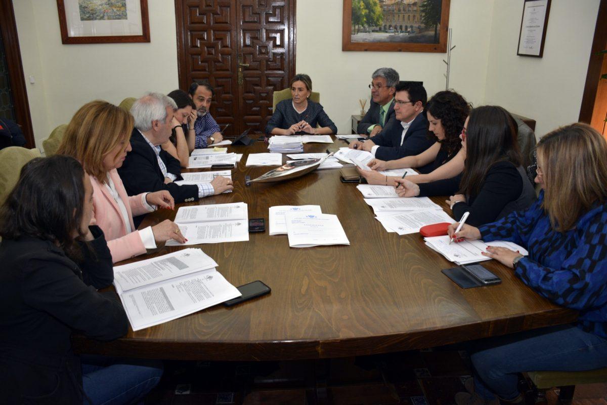http://www.toledo.es/wp-content/uploads/2019/03/20190313_junta_gobierno-1200x800.jpg. El Ayuntamiento aprueba su Oferta de Empleo Público 2019 con 23 plazas