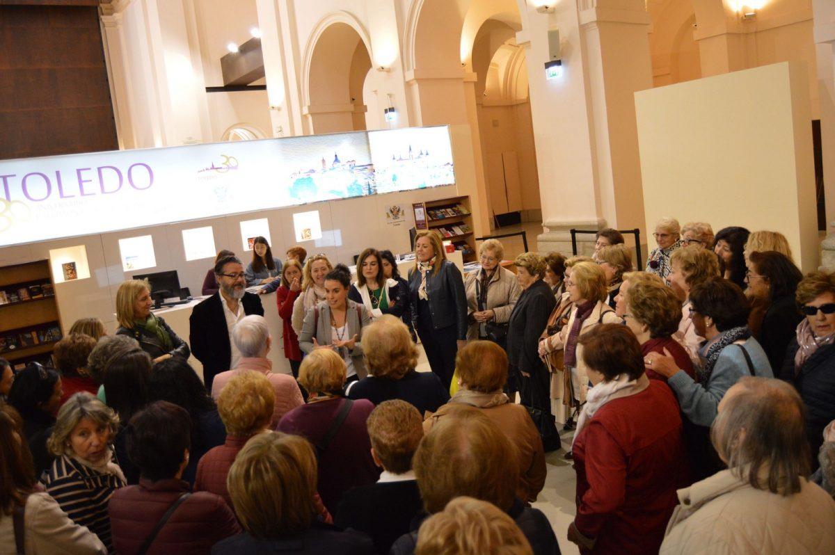 http://www.toledo.es/wp-content/uploads/2019/03/20190316_ines-sandoval_recepcion-brunete_1-1200x798.jpg. Toledo recibe a un grupo de 150 mujeres del municipio madrileño de Brunete con motivo del 8M