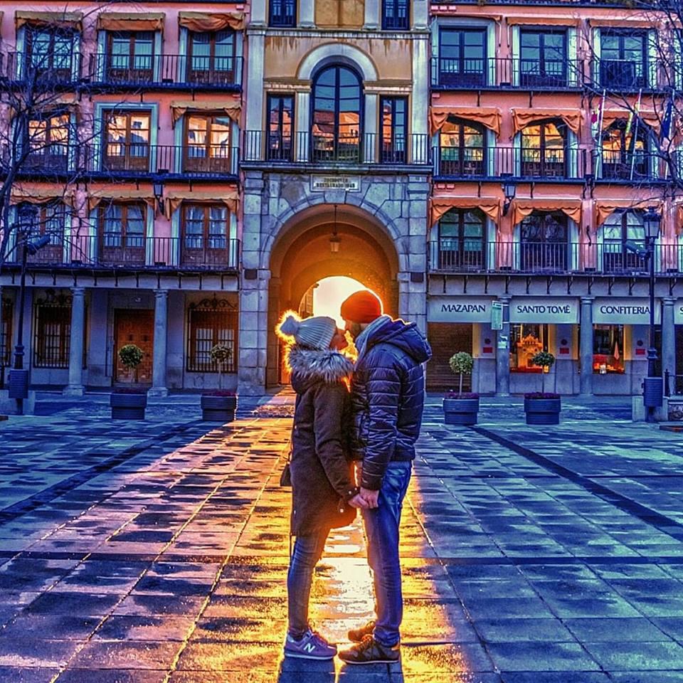 http://www.toledo.es/wp-content/uploads/2019/03/fotoganadora_toledoenamora.jpg. Un amanecer de película desde Zocodover logra el primer premio del concurso Toledo Enamora en el que participaron 86 fotografías