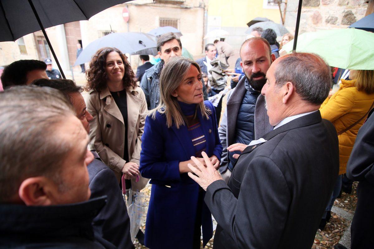 http://www.toledo.es/wp-content/uploads/2019/04/01_virgen_salud-1200x800.jpg. La alcaldesa asiste a la festividad en honor a la Virgen de la Salud que aplaza su procesión al jueves por las lluvias
