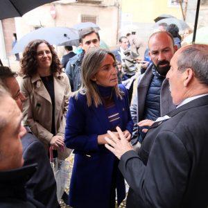 a alcaldesa asiste a la festividad en honor a la Virgen de la Salud que aplaza su procesión al jueves por las lluvias
