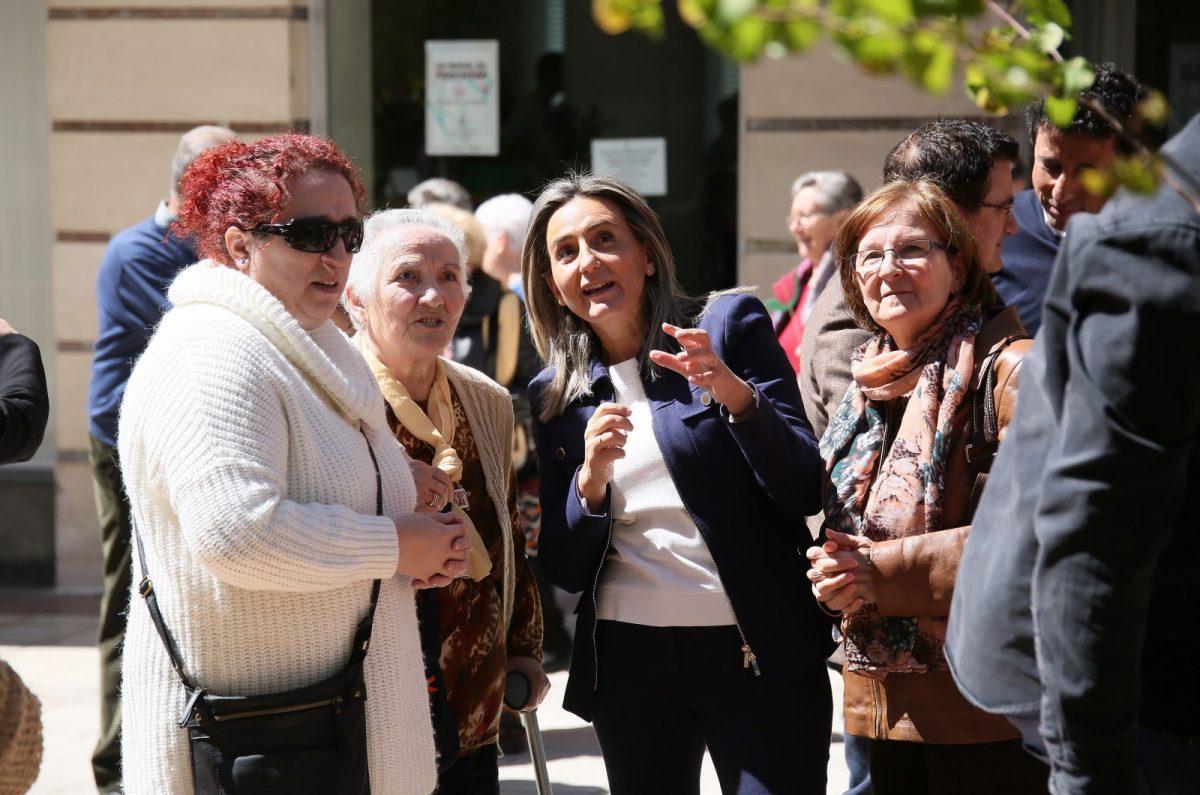 """http://www.toledo.es/wp-content/uploads/2019/04/20_dia_parkinson-1200x795.jpg. Milagros Tolón destaca la contribución de las asociaciones al """"músculo social y asociativo"""" local en el Día Mundial del Párkinson"""