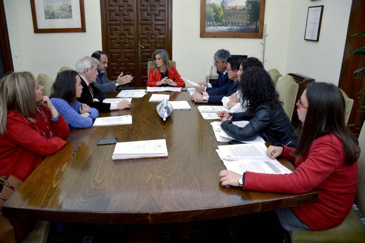 http://www.toledo.es/wp-content/uploads/2019/04/junta-gobierno-10-de-abril-1200x800.jpg. Aprobada la instrucción para acceder a plazas de residentes en los aparcamientos del Corralillo, Recaredo y Miradero