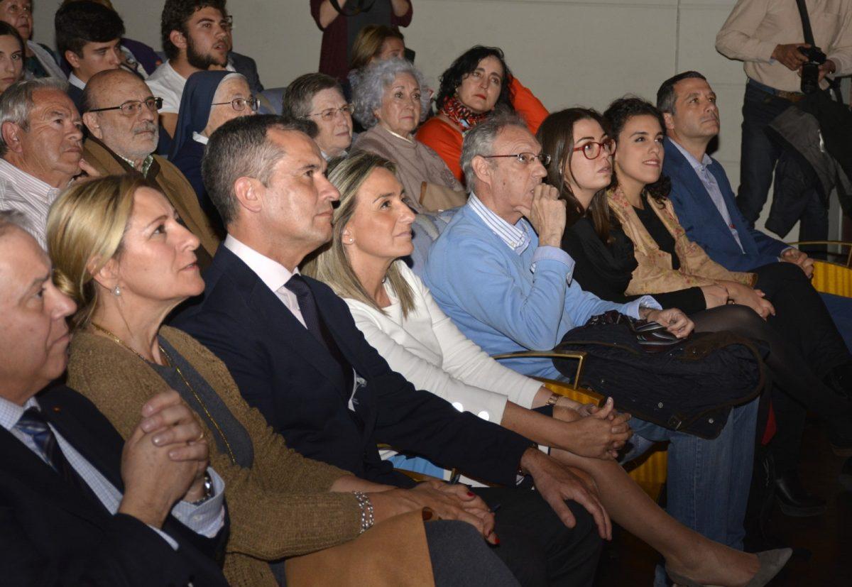 http://www.toledo.es/wp-content/uploads/2019/04/la_pasion-02-1200x827.jpg. El Teatro de Rojas alza el telón dentro del programa de Semana Santa a la representación de 'La Pasión' por el grupo del Polígono