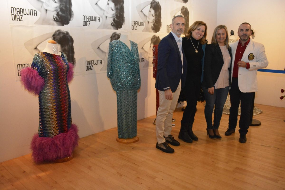 http://www.toledo.es/wp-content/uploads/2019/04/marujita-diaz_exposicion-1200x800.jpg. Más de 40 vestidos, joyas, bisutería, mantones y obras de arte forman la exposición 'Recordando a una estrella. Marujita Díaz'