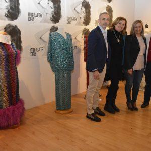 ás de 40 vestidos, joyas, bisutería, mantones y obras de arte forman la exposición 'Recordando a una estrella. Marujita Díaz'