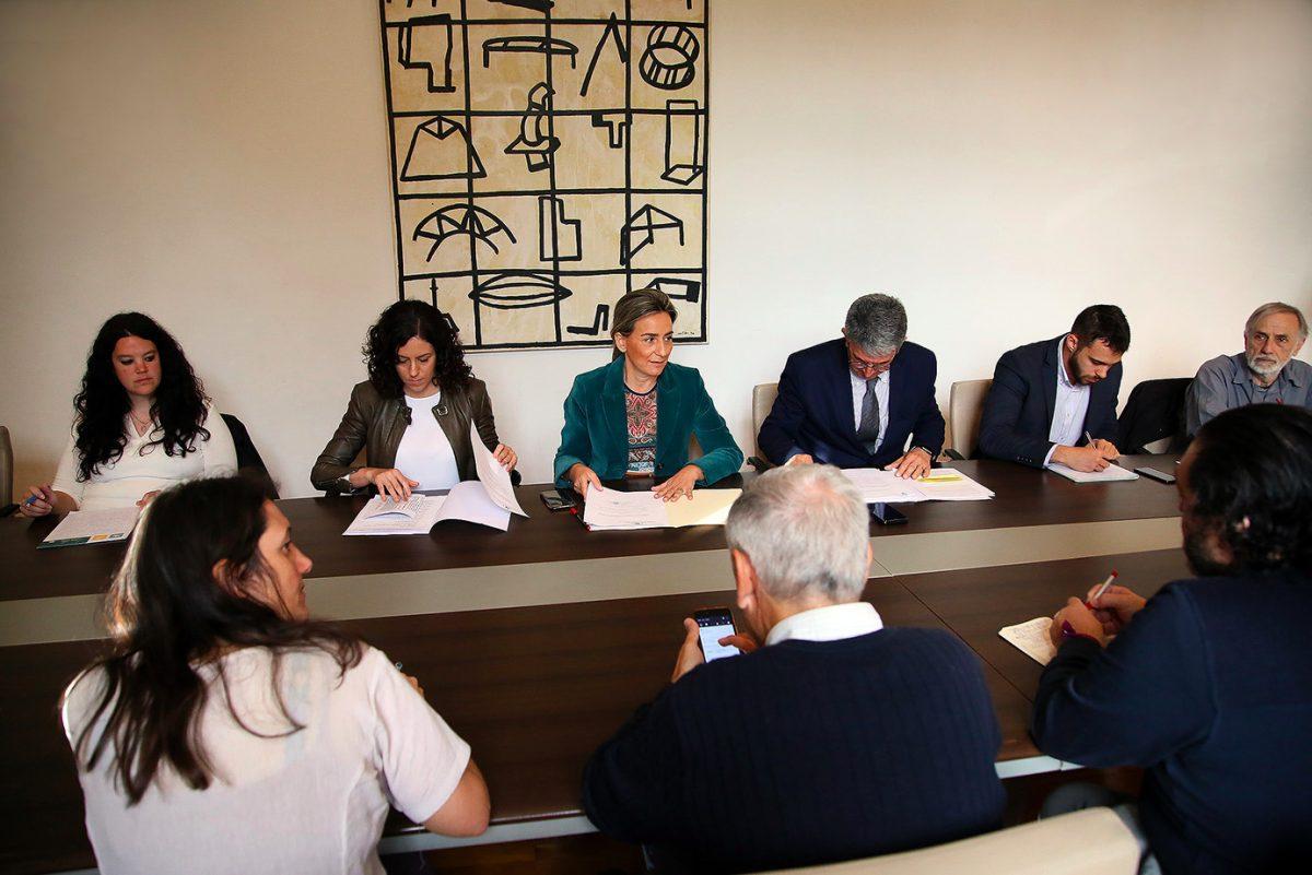 http://www.toledo.es/wp-content/uploads/2019/04/milagros-tolon_pacto-por-el-tajo-1200x801.jpeg. El Pacto de Toledo por el Tajo reivindicará en Europa que las sentencias del Supremo son definitivas para el cese del trasvase